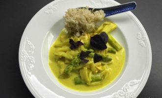 curry mit spargel und lachs