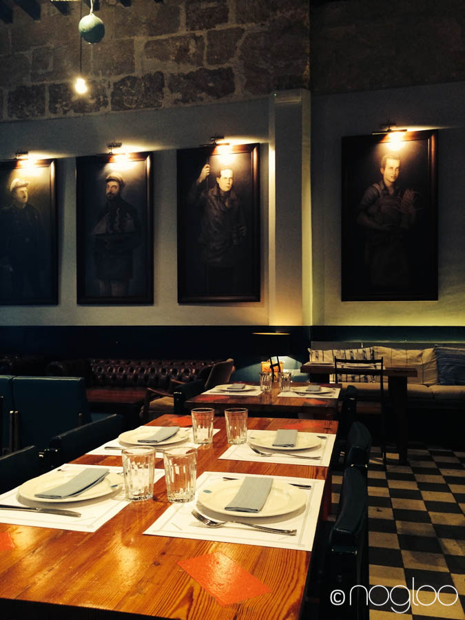 Mallorca Restaurant Patron Lunares