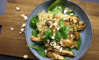 Quinoa Bowl mit Pute