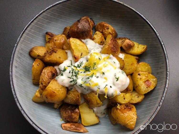 Geröstete Kartoffel mit Dip